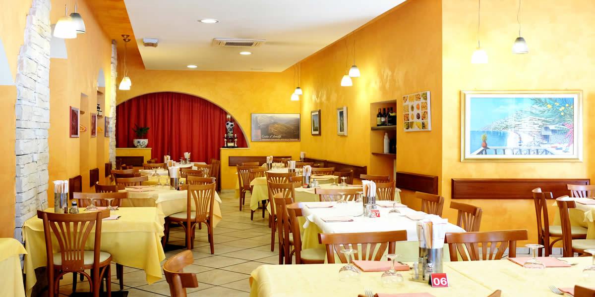 Ristorante Pizzeria Positano - Particolare della prima sala