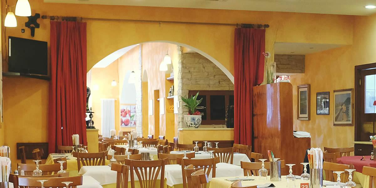 Ristorante Pizzeria Positano - Slide 02 Vista del locale